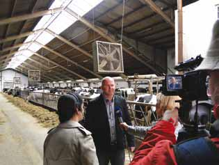DZIENNIKARZE ZWIEDZALI GOSPODARSTWA ROLNE ORAZ ZAKŁADY PRODUKCYJNE I PRZETWÓRCZE THE JOURNALISTS VISITED FARMS, PRODUCTION AND PROCESSING PLANTS.