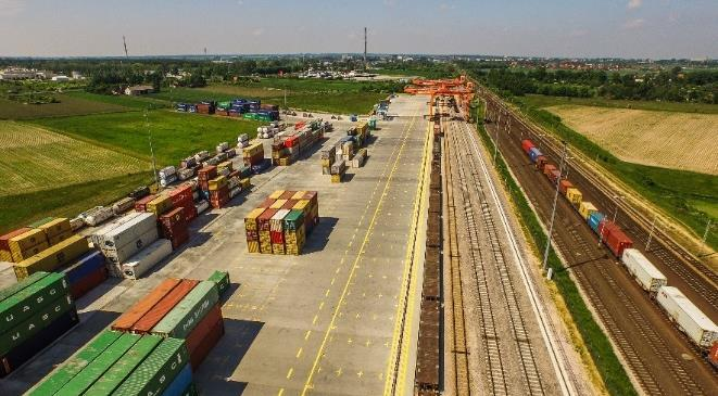 area: 80 000 m2 containers repair workshop handling equipment: 2