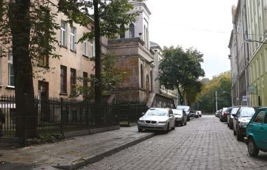This small street in the city center is thought to be perfect for the purposes of film shooting.